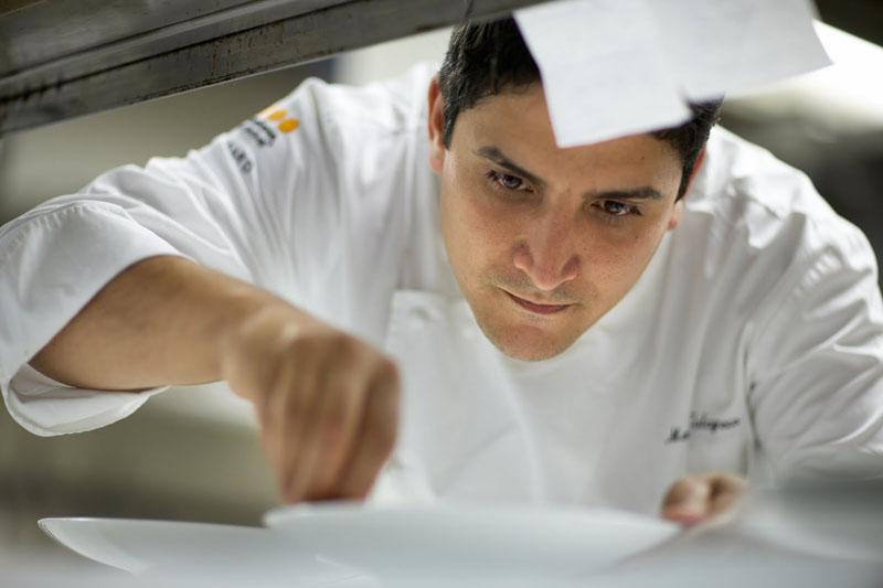 Mauro Colagreco, el chef argentino que estuvo en agosto pasado en nuestro país. Considerado el tercer mejor cocinero del mundo apuesta un proyecto que puede revolucionar la gastronomía.