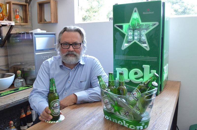 """""""La cerveza Heineken tiene la misma calidad y el mismo sabor en todo el mundo"""", dice Willem. Hace 15 años es maestro cervecero en la Heineken."""