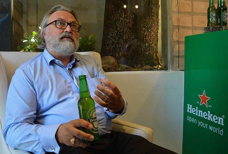Willem van Waesberghe, el principal maestro cervecero de Heineken estuvo en nuestro país para mostrarnos lo que no vemos detrás de la marca.
