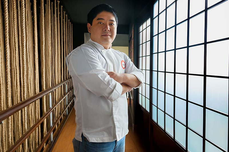 Mitsuharu Tsumura, el joven y célebre chef peruano que el sábado estará cocinando en Sipan.