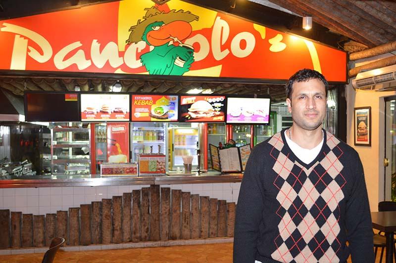 Tjeerd tenía 15 años cuando comenzó su negocio de comida rápida. Llegó a tener 10 locales en Asunción.