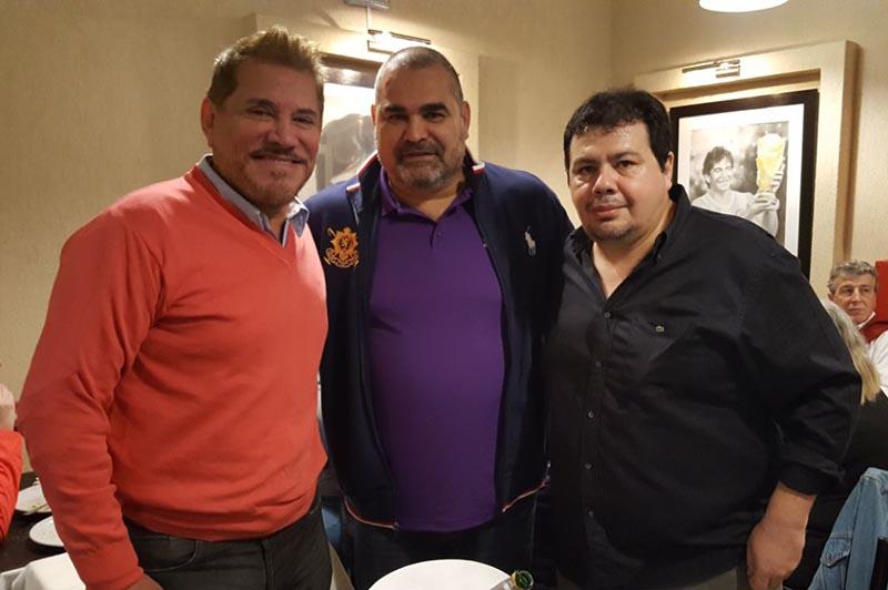 Arnaldo André, José Luis Chilavert junto a Christian Franco, el paraguayo que montó un restaurante con notable suceso en Buenos Aires.