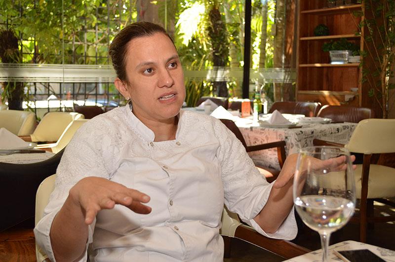 Eliane Kretschmann quién junto a su marido Eliseu Muhl son los propietarios de la churrasquería O Gaucho.