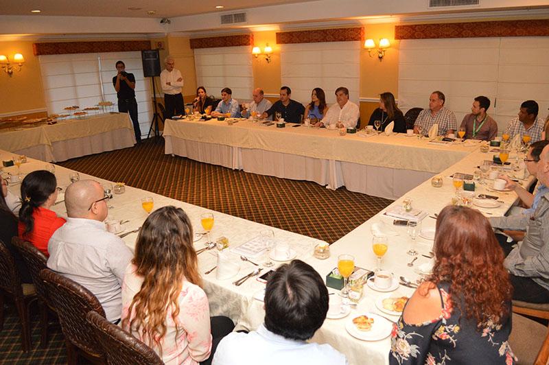 Aspecto del desayuno de trabajo que tuvieron los representantes de la Asociación de Restaurantes del Paraguay (ARPY) con las empresas proveedoras del sector gastronómico.