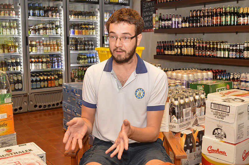 Jefferson Immich explicando porque decidieron dedicarse al retail de las cervezas importadas.