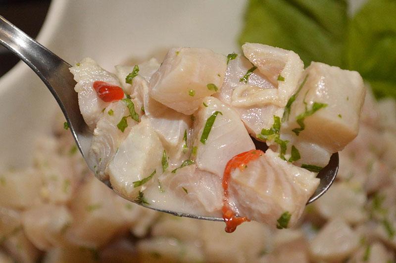 El ceviche siempre constituye la estrella principal cuando está presente la cocina peruana.