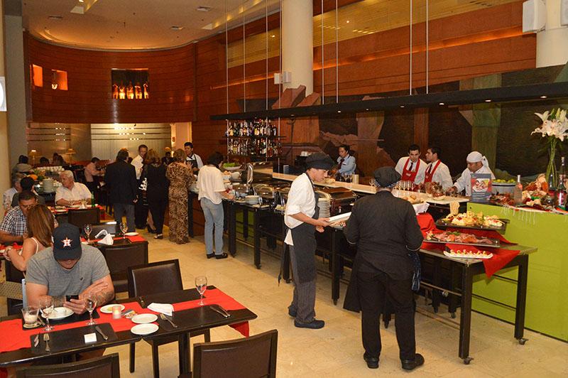Perú Mucho Gusto se denomina el festival de cocina peruana que se habilitó anoche en el Hotel Sheraton. Irá hasta el martes 7 de noviembre.