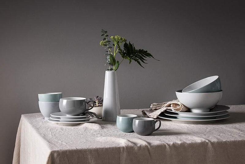 La marca francesa tiene productos en porcelana y aceros inoxidables. Y algo novedoso: Una línea completa destinada a eventos.