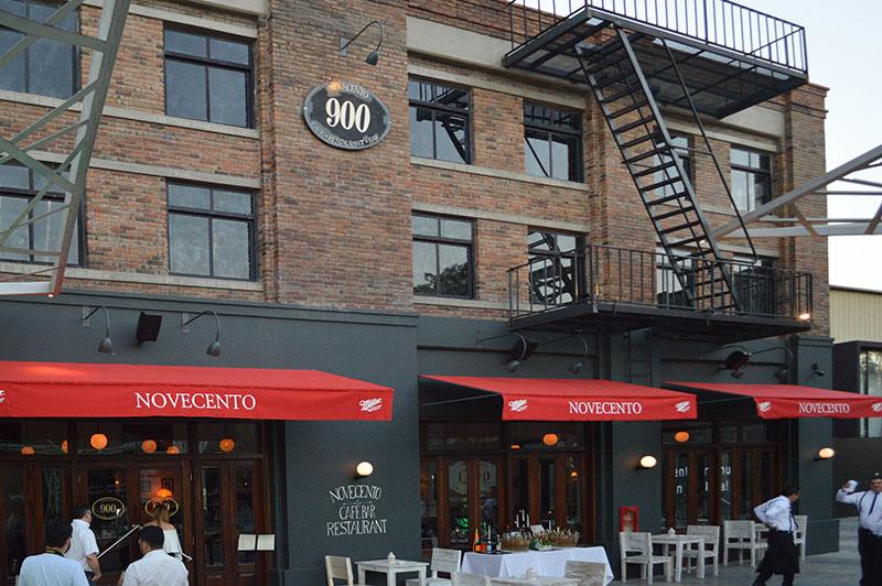 La fachada del lugar es casi una copia fiel del Novecento de la ciudad de New York.