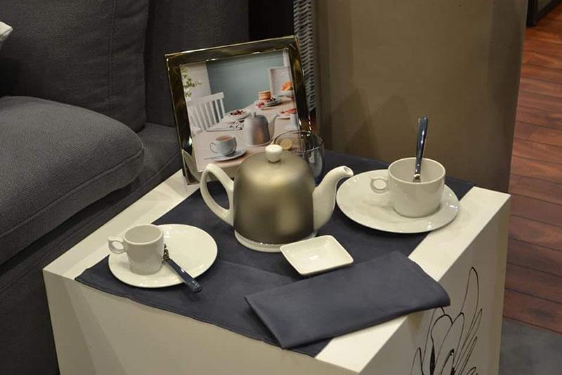 La tetera Salam, uno de los productos más emblemáticos de Degrenne. Tiene una cubierta especial que permite conservar el calor más del doble del tiempo que las teteras clásicas.