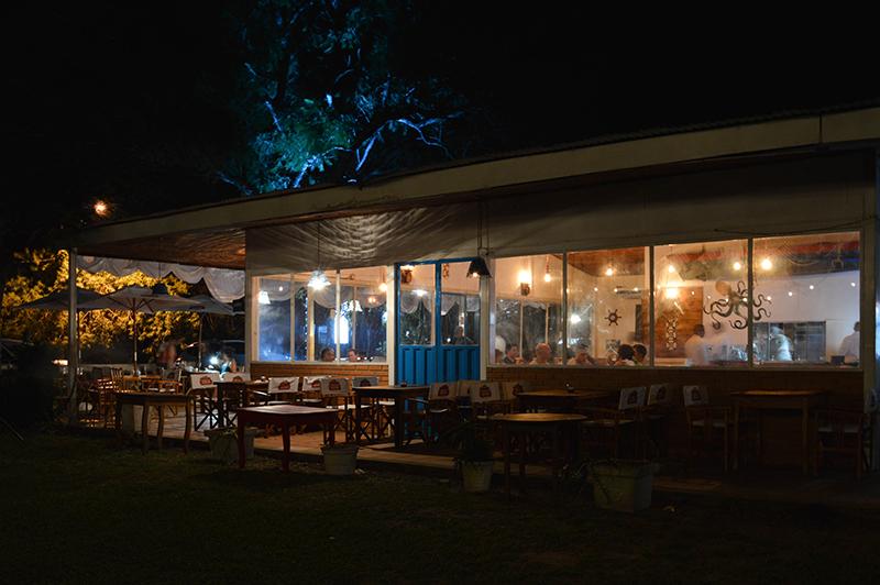 Un ambiente tranquilo y acogedor es el que rodea al El Viejo Marino, en San Ber. Y una oferta de paellas, pescados y mariscos como la que tiene en Asunción.