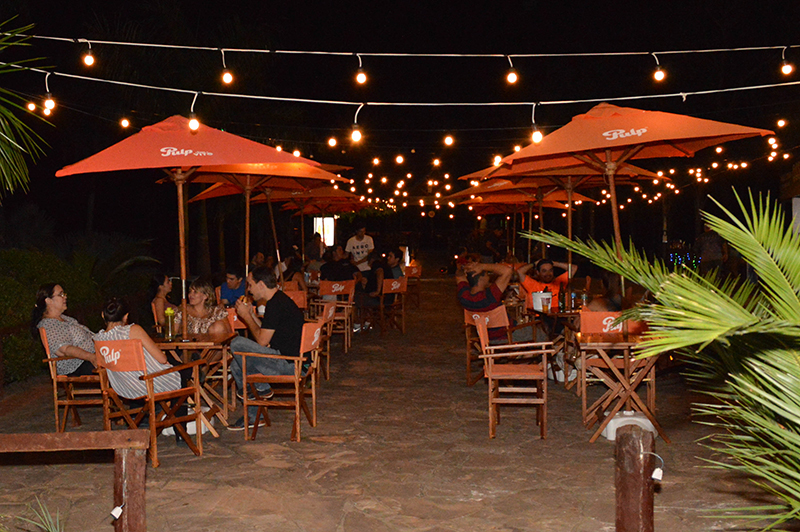 El Food Bar San Ber no pretende ser un parque de comidas pero adquiere su forma. Su creador es Mauri García, el precursor de los Food Park, que esta vez apostó al negocio de las marcas y no del alquiler de puestos de venta.