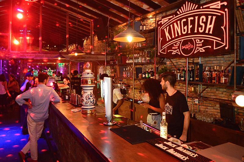 Un bar en ruinas en honor al rey pez el omnivoro for Louisiana fish bar