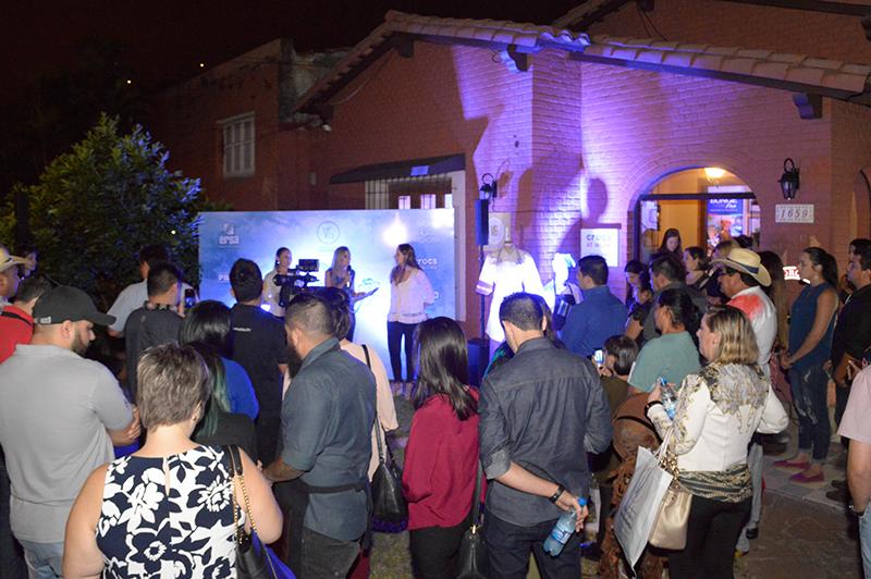 La presentación de la nueva colección de Vro Pardo se realizó en el local que tiene sobre la calle Cerro Corá con presencia de numerosas personas relacionados al mundo gastronómico.