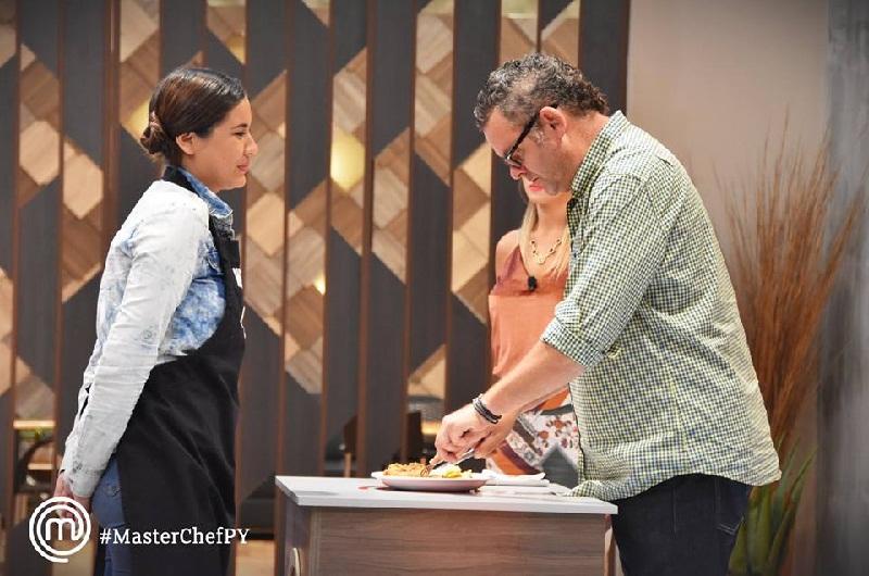 Mercedes Pitta, abandonó anoche la cocina de MasterChef. La sopa paraguaya la puso muy nerviosa y no pudo superar la prueba.