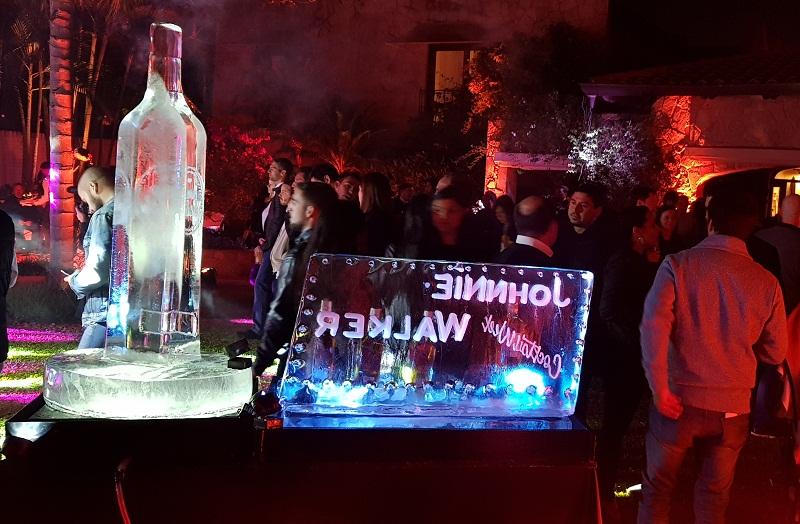 Anoche se realizó el festejo por el Día Mundial del Whisky en el Hotel Las Lomas. Una escultura en hielo de una botella de Jhonnie Walker fue uno de los atractivos de la noche. Aparte de la nominación de los finalistas.