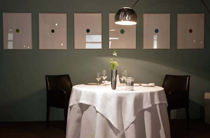 Osteria Francescana sigue siendo un pequeño restaurante, discreto en la relativamente modesta ciudad italiana de Módena. Copyright owners as The World's 50 Best Restaurants