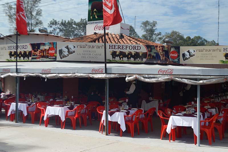 Restaurante Hereford ofrece cortes Premium de carnes del Chaco. No llevo a la expo la parrilla corrida que tiene en su casona de Asunción.