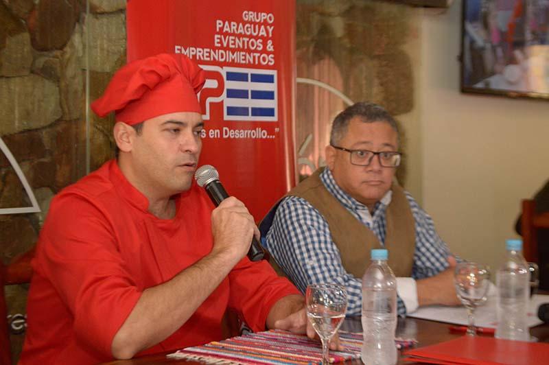 Hernán Luisille, nuevo jefe de cocina, junto a Edgar Robinson, propietario de Fusión Resto.
