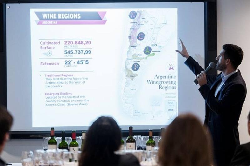 Argentina tiene 881 bodegas productoras de vino, distribuidas a lo largo de su extenso territorio. El vino argentino quiere tener mayor presencia en Paraguay.