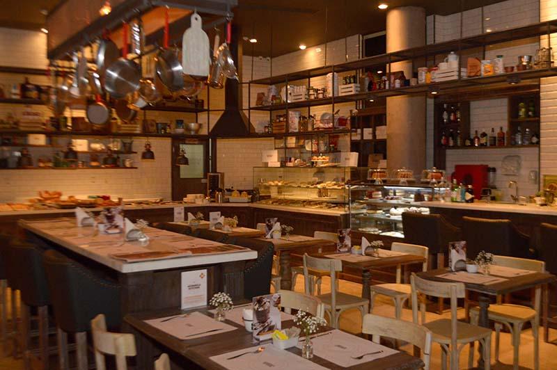 Acuarela Kitchen, es un nuevo concepto de negocio gastronómico ideado por André d'Oliveira junto con su asesor Marco Blanco