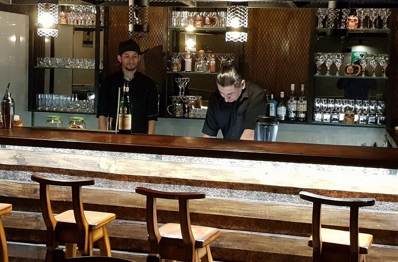 Así luce la barra del bar El Gringo. El nuevo local habilitado por Erick Jaeger