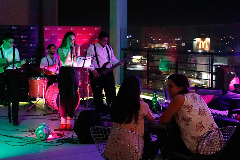 Una vez al mes el Aloft ofrecerá un concierto de música en vivo, en su Roof Top como parte de su programa Aloft Live que durará todo el año.