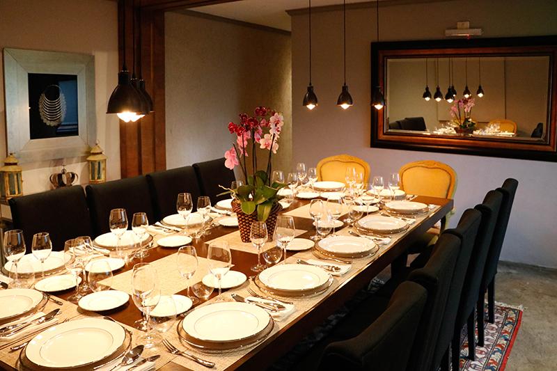 Un salón privado para 14 personas, finamente ambientado, es una de las atracciones del nuevo restaurante El Hormiguero.