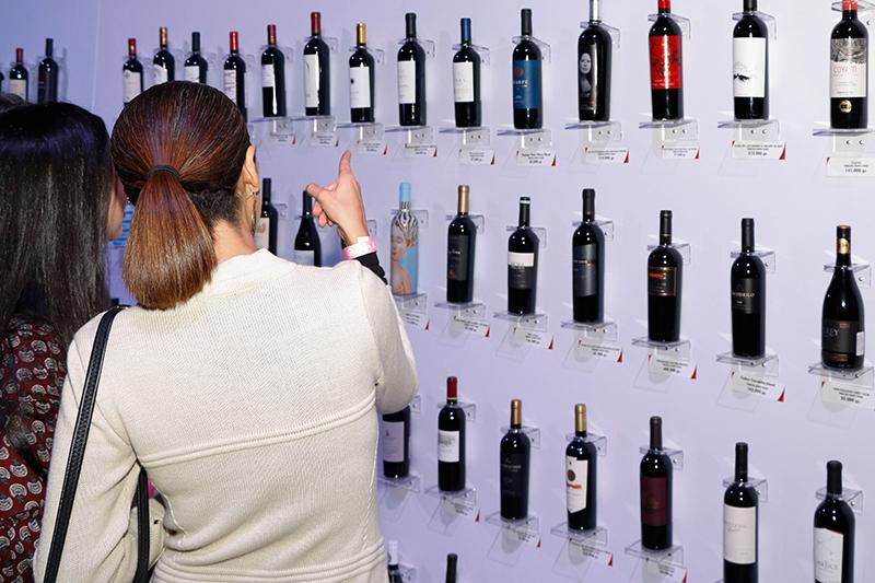 El tablero de los vinos que estaban en exposición. Una modalidad adoptada el año pasado que pone en un panel todos los vinos que se pueden degustar y comprar.