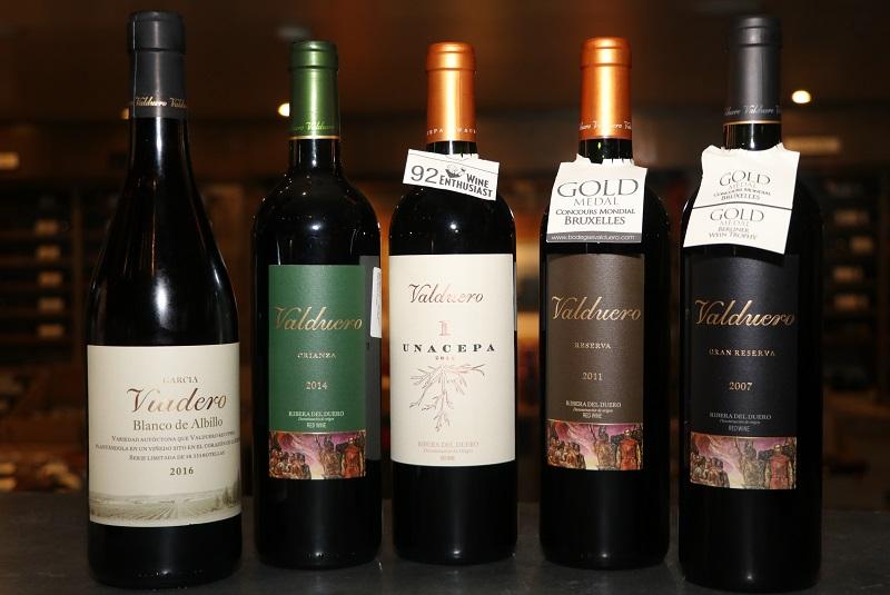 Aquí toda la selección de vinos de Bodegas Valduero. Algunos de ellos recibieron premios internacionales.