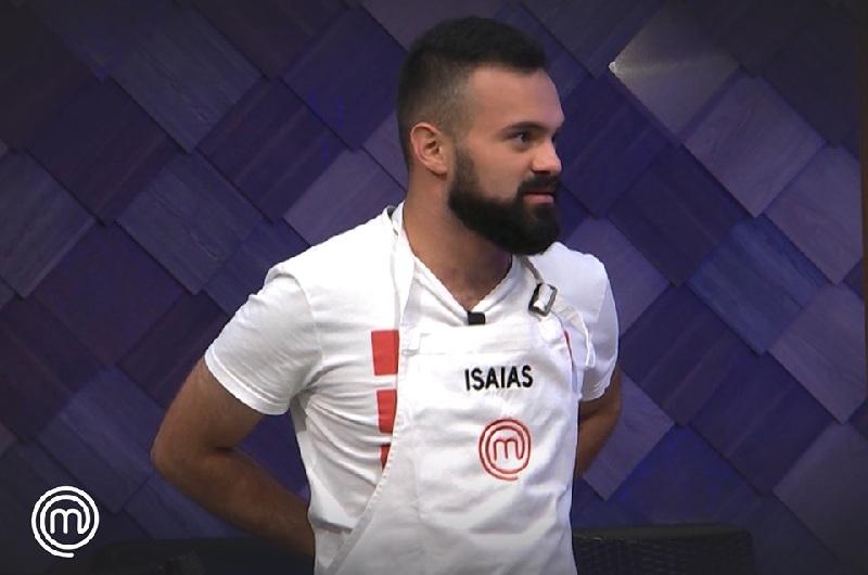 Isaías Ledesma, uno de los favoritos a ganar el MasterChef volvió al programa tras su sorpresiva eliminación en el programa anterior. Foto de la página oficial de MasterChef Paraguay,