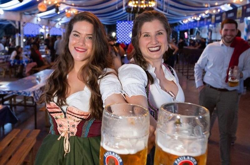 Anoche se habilitó la carpa Paulaner sobre la Costanera. Allí culminarán mañana los festejos y paralelamente en Club Deportivo Alemán también hará su fiesta de la cerveza.