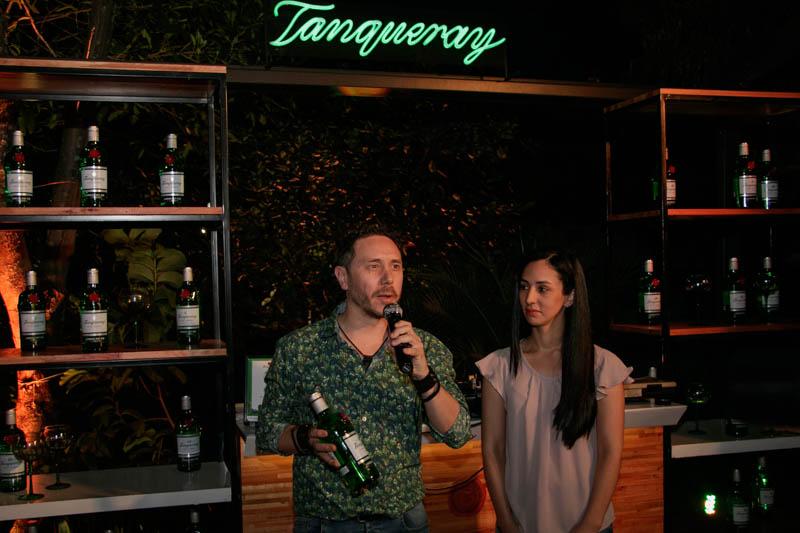 Alvaro Pereira Cocktail Brand Ambassador para Diageo Paraguay junto a Diana Varela la Gerente Comercial de Diageo Paraguay.
