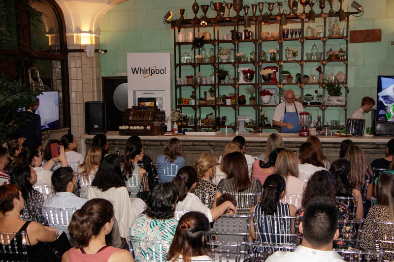 Numerosos profesionales reposteros, clientes e invitados especiales asistieron al evento organizado por NGO para conmemorar los 100 años de KitchenAid.