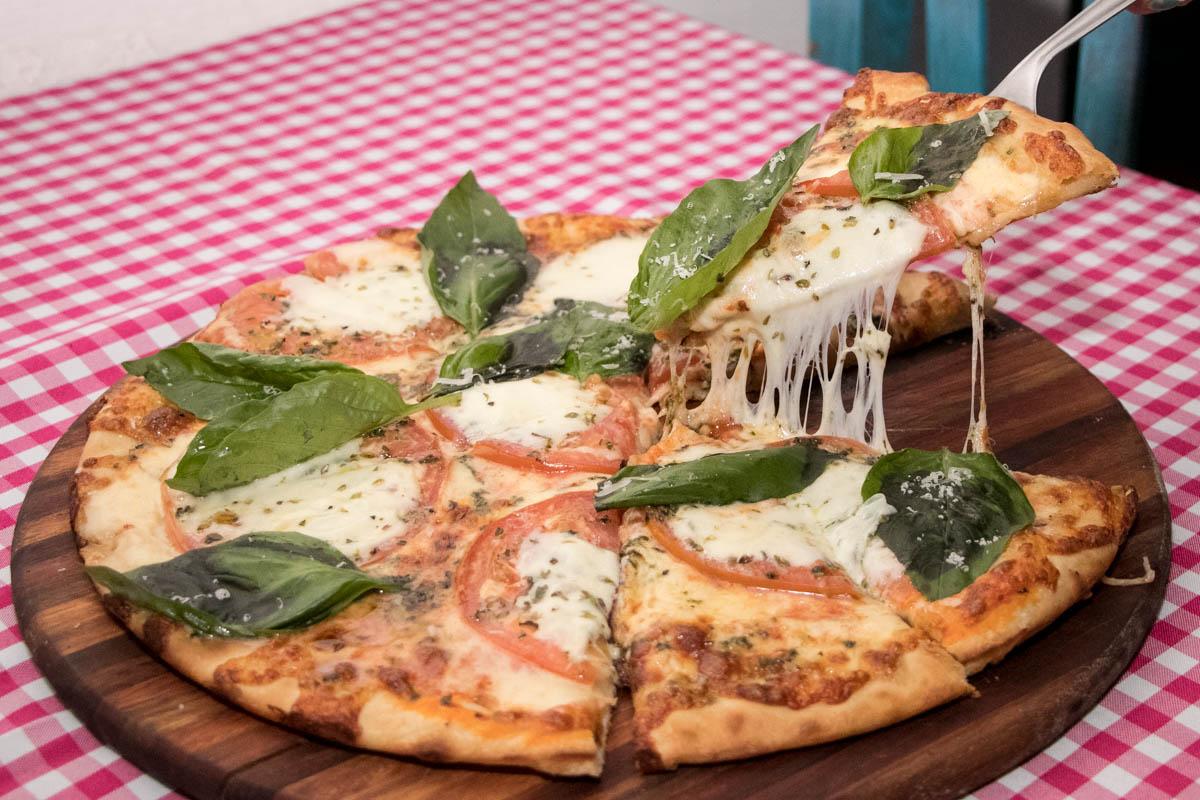 La pizza Margherita, la que da nombre al lugar. Sin embargo es la Mammamia, que lleva pollo, es la que más piden los clientes. Hay 25 variedades.