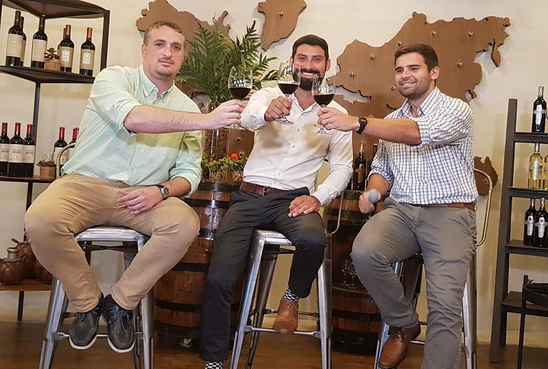 Los tres del vino