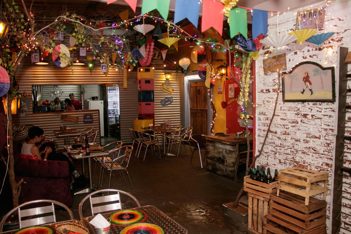 Este es el local de la La Candelaria, ubicado sobre Cruz del Chaco y Souza, donde tiene lugar el festival de comida callejera colombiana.